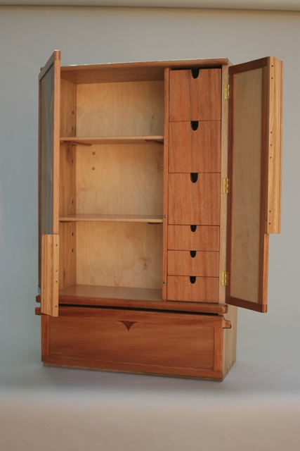 Ordinaire Bath Cabinet With 6 Drawers , 2 Shelves, And Lower Personals Cabinet.